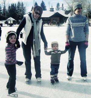 Skating_group